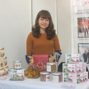 Hương Quỳnh tham gia Hội chợ hàng lưu niệm chất lượng cao Thủ đô 2020